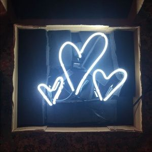 Brand new Oliver Gal Artist Co Hearts Neon sign!